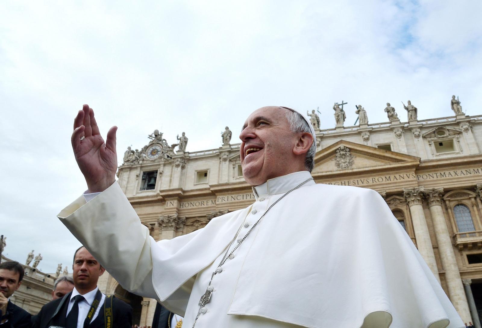 Hay versiones de que se ha visto en Roma un suplantador que se hace pasar por Francisco
