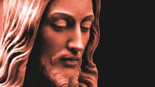 estatua de cara de jesus