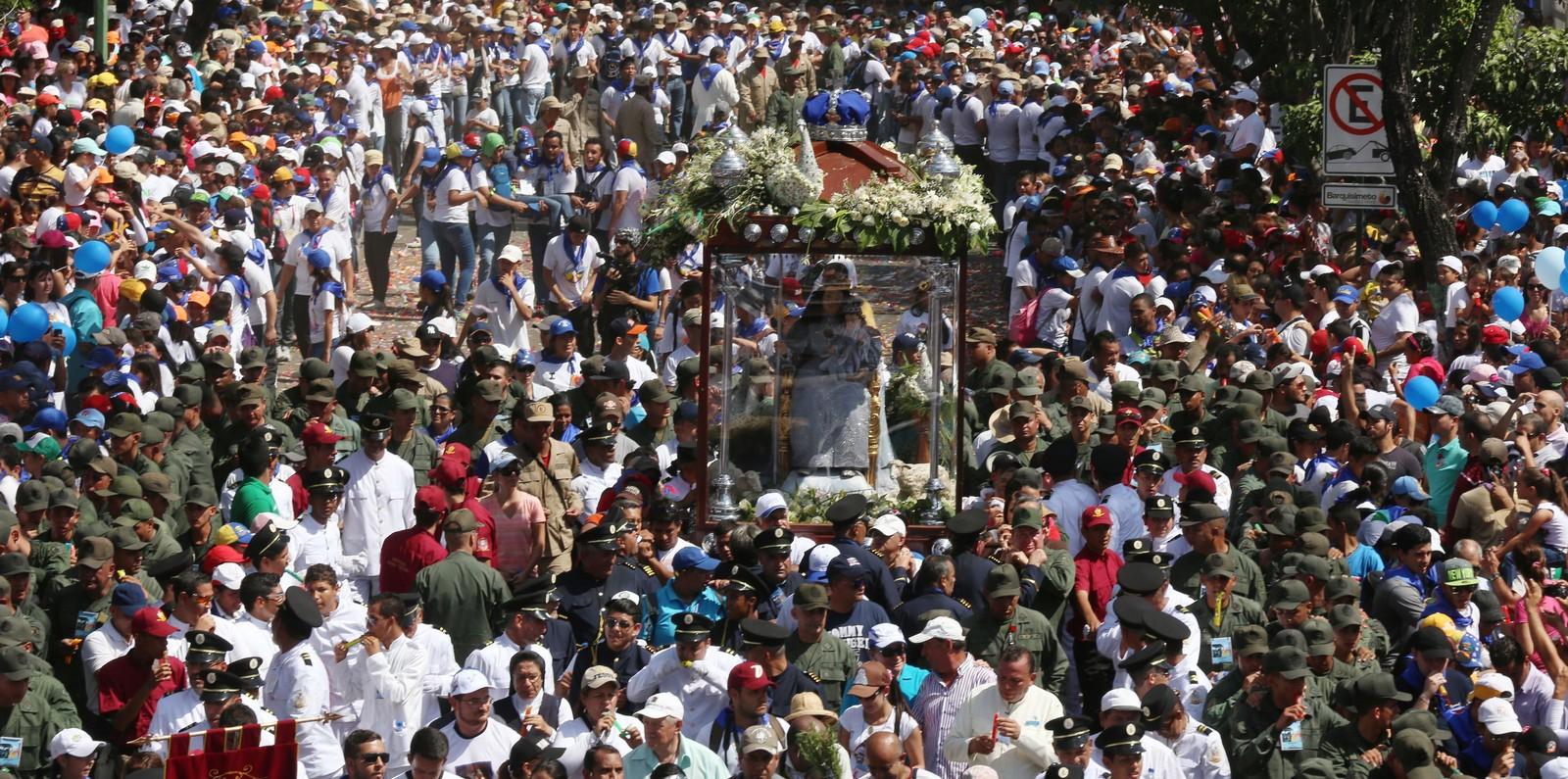 La Divina Pastora y su impresionante procesión del 14, Venezuela (14 ene)