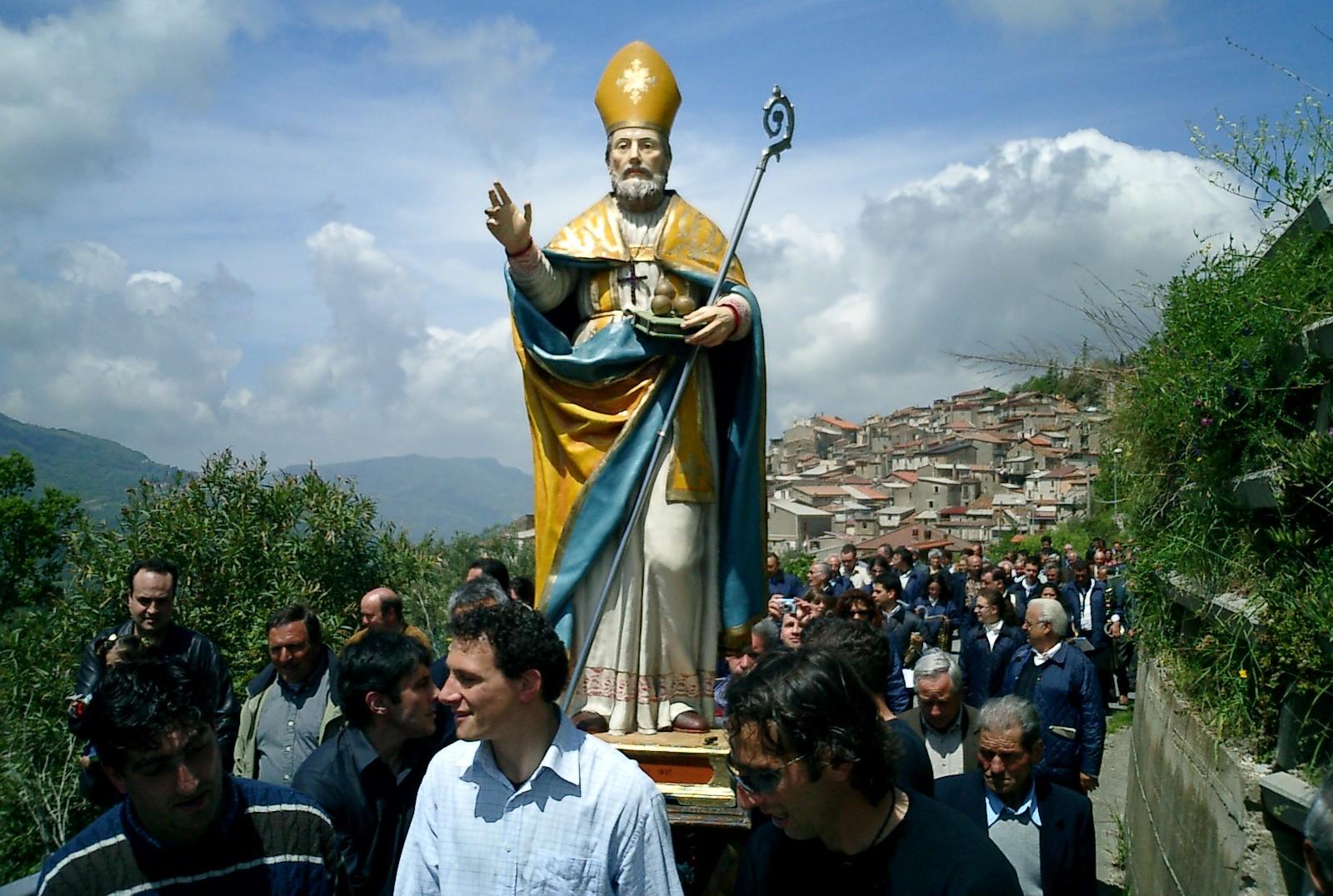 ¿Santa Claus lo copió?: San Nicolás de Mira o de Bari (dic, ene)