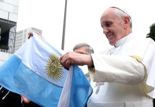 papa con bandera argentina