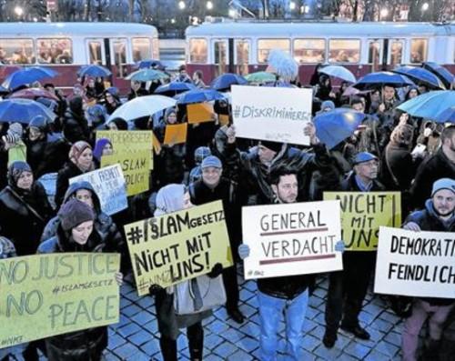 manifestacion contra la ley de austria