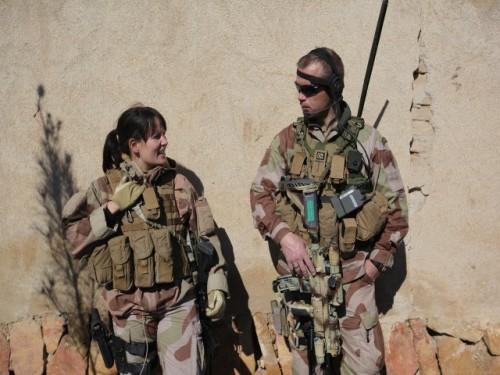 soldado hombre y mujer en eeuu