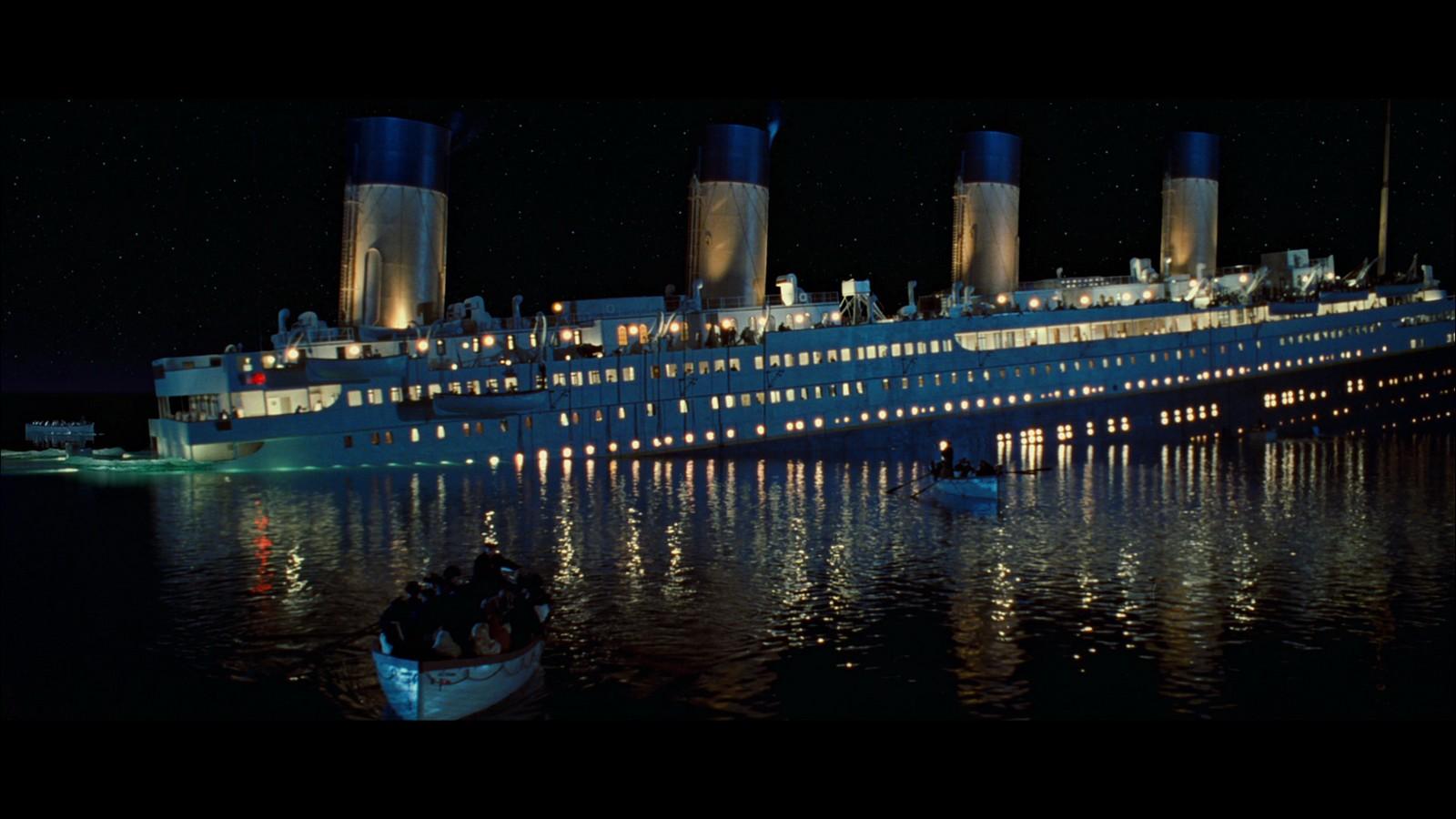 Los Sacerdotes Mártires que se Hundieron con el Titanic Confesando, Consolando [y sus profecías]