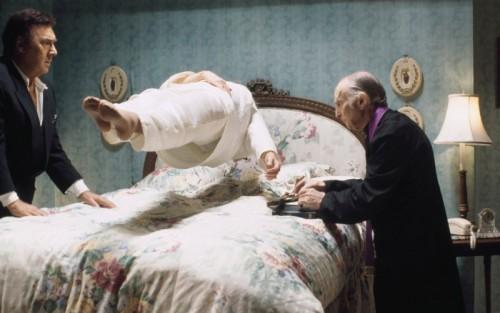 exorcismo-levitacion-cura