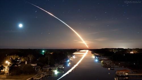 meteorito cayendo a la tierra fondo
