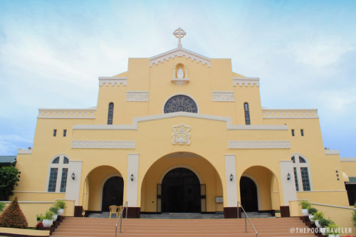 Fachada del Convento de Carmelitas de Lipa