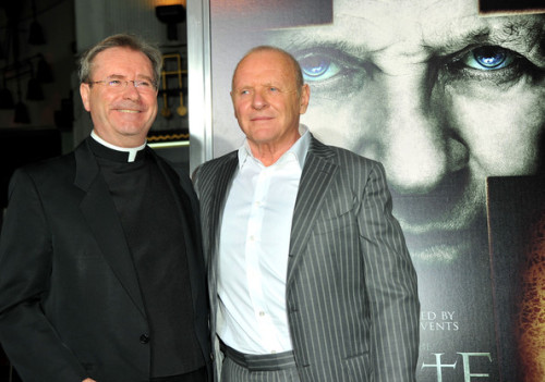 Fr Gary Thomas con Anthony Hopkins