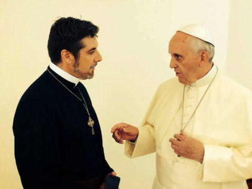 tony-palmer-obispo-pentecostal-con-el-papa-francsico