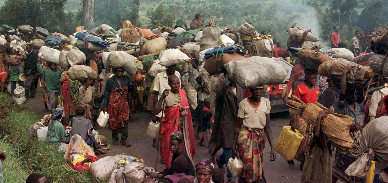 María Bajó para Avisar de la Matanza de Rwanda [en la próxima década]