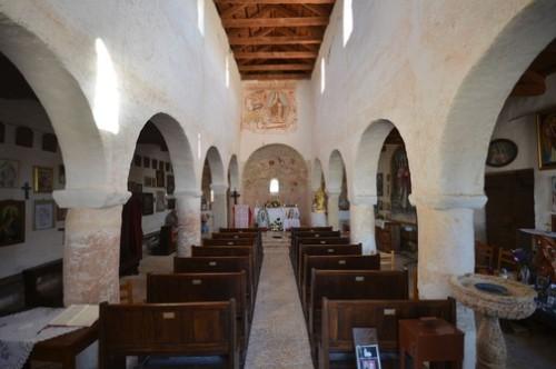 Interior de Iglesia de Santa Fosca en Istria