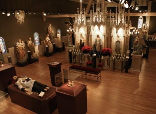 museo de estatuas divinas