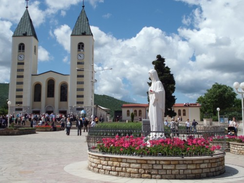 reina de la paz y santuario de medjugorje