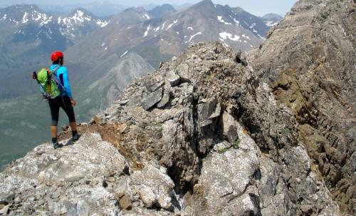 subiendo una montaña fondo