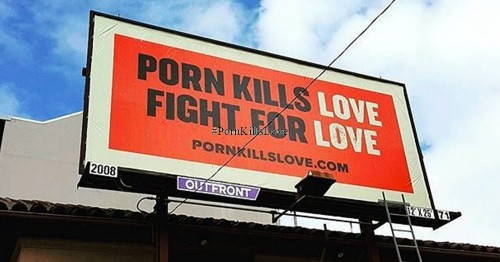 cartel de campaña pron kills love