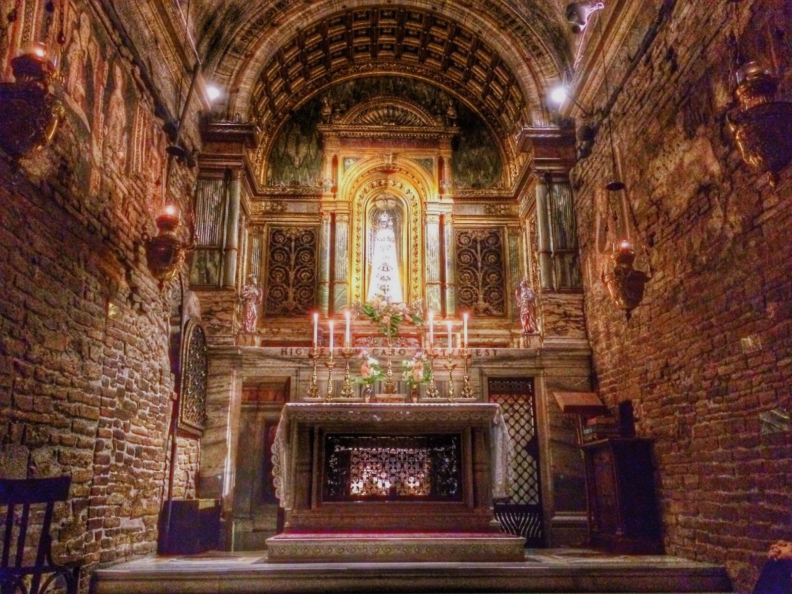 Interior de la Casa Santa de Loreto