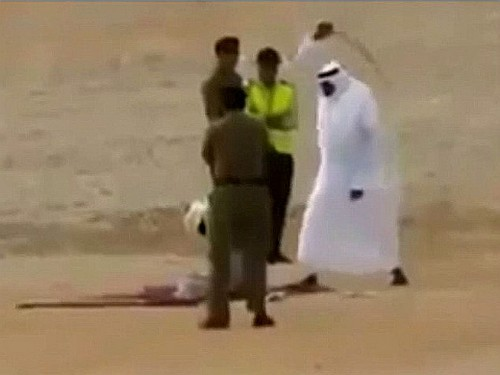 castigado a latigazos en arabia saudita
