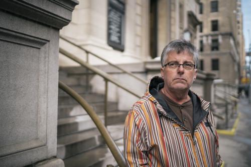 Neal Gumpel abusado por un Jesuita