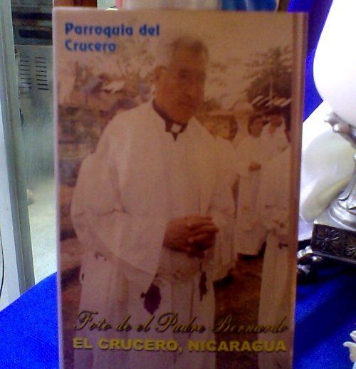 afiche del padre bernardo martinez