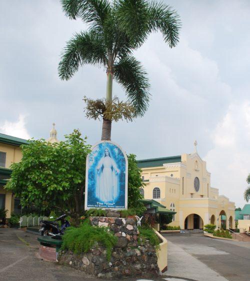 Convento Carmelita de las apariciones en Lipa