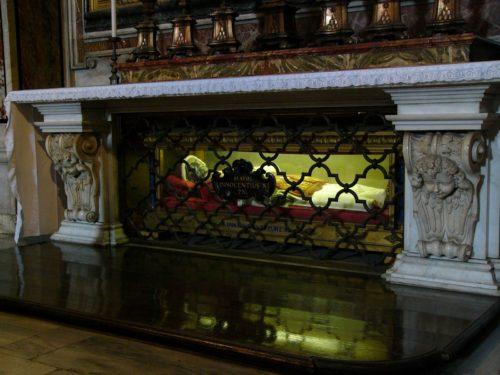 Tumba del Papa Inocencio XI