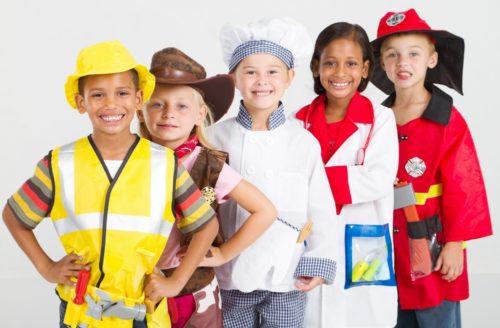 niños en sus profesiones