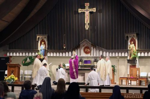arzobispo conley misa ad orientem