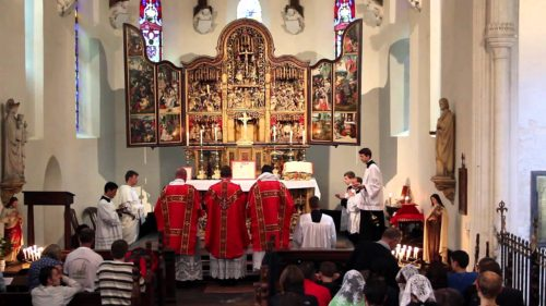 misa ad orientem de tres concelebrando