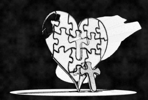 corazon con una cruz