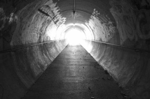 el tunel hacia la otra vida