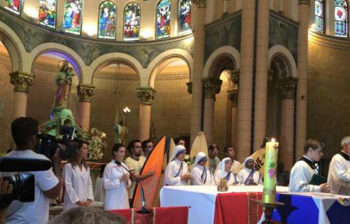 misa con el arzobispo por guido