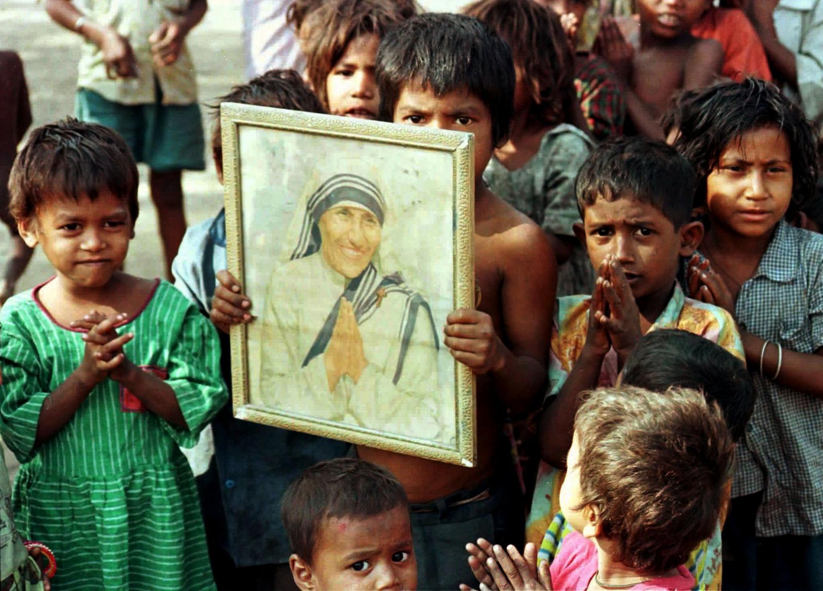 Dos Impresionantes Operaciones Secretas de la Madre Teresa de Calcuta