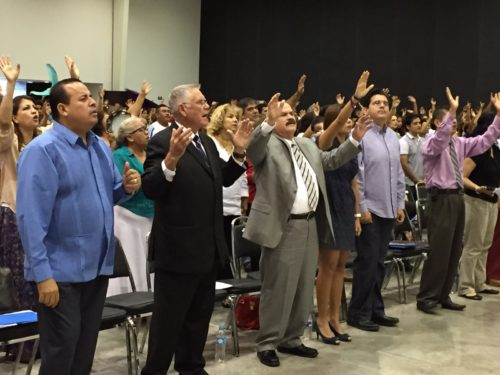 evalgelicos orando