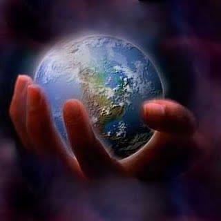 mundo_manos_Dios
