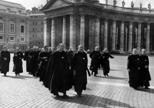 ¿Qué Pasa con los Jesuitas?  ¿Porqué tanta Disidencia con la Doctrina Católica?