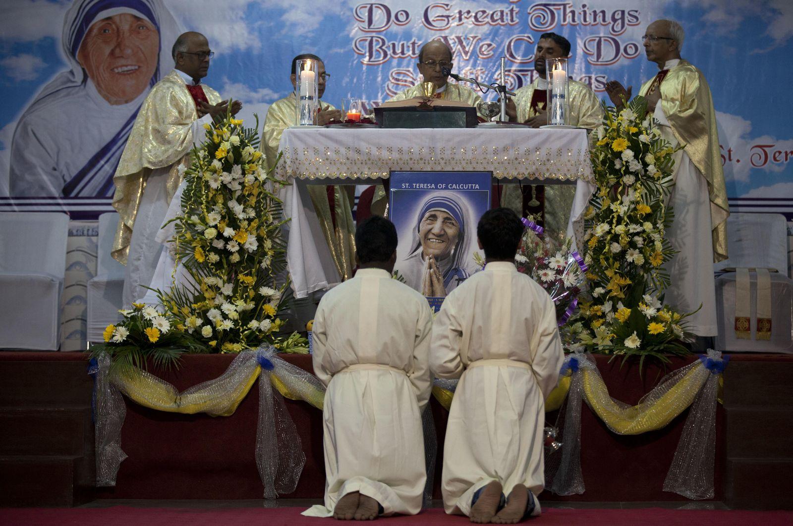 Los Urgentes Mensajes de Jesús y María que Recibió la Madre Teresa de Calcuta