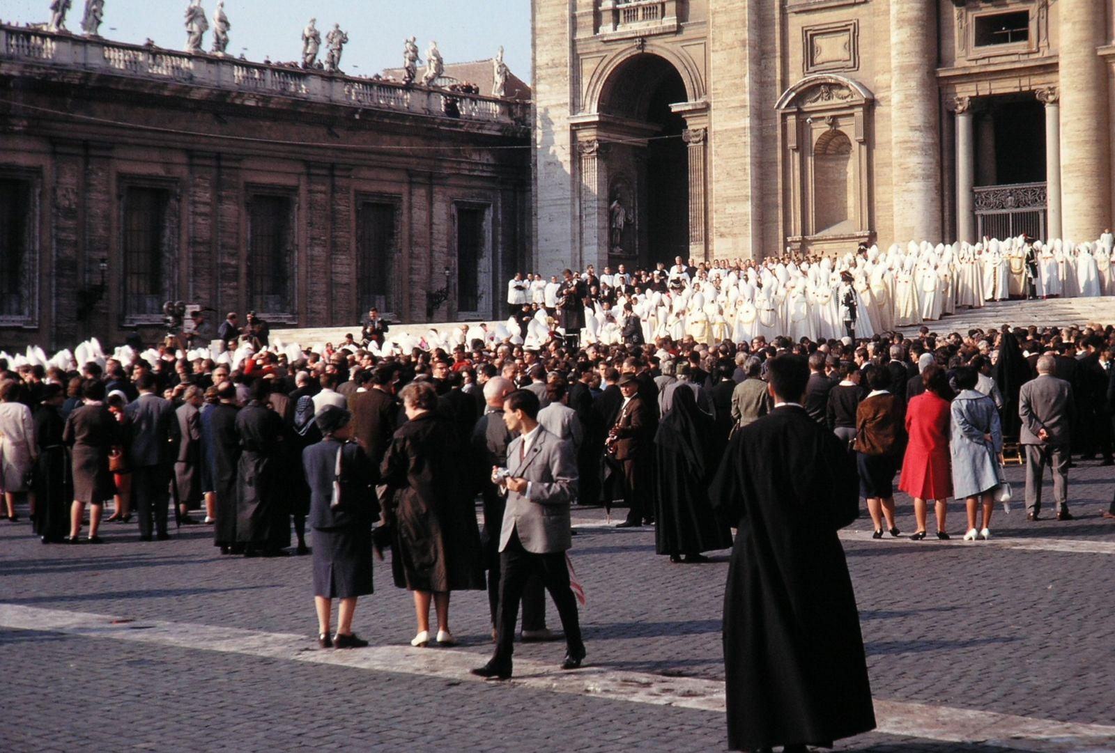 ¿Cuál es la Explicación de tantos Escándalos dentro de la Iglesia Católica?