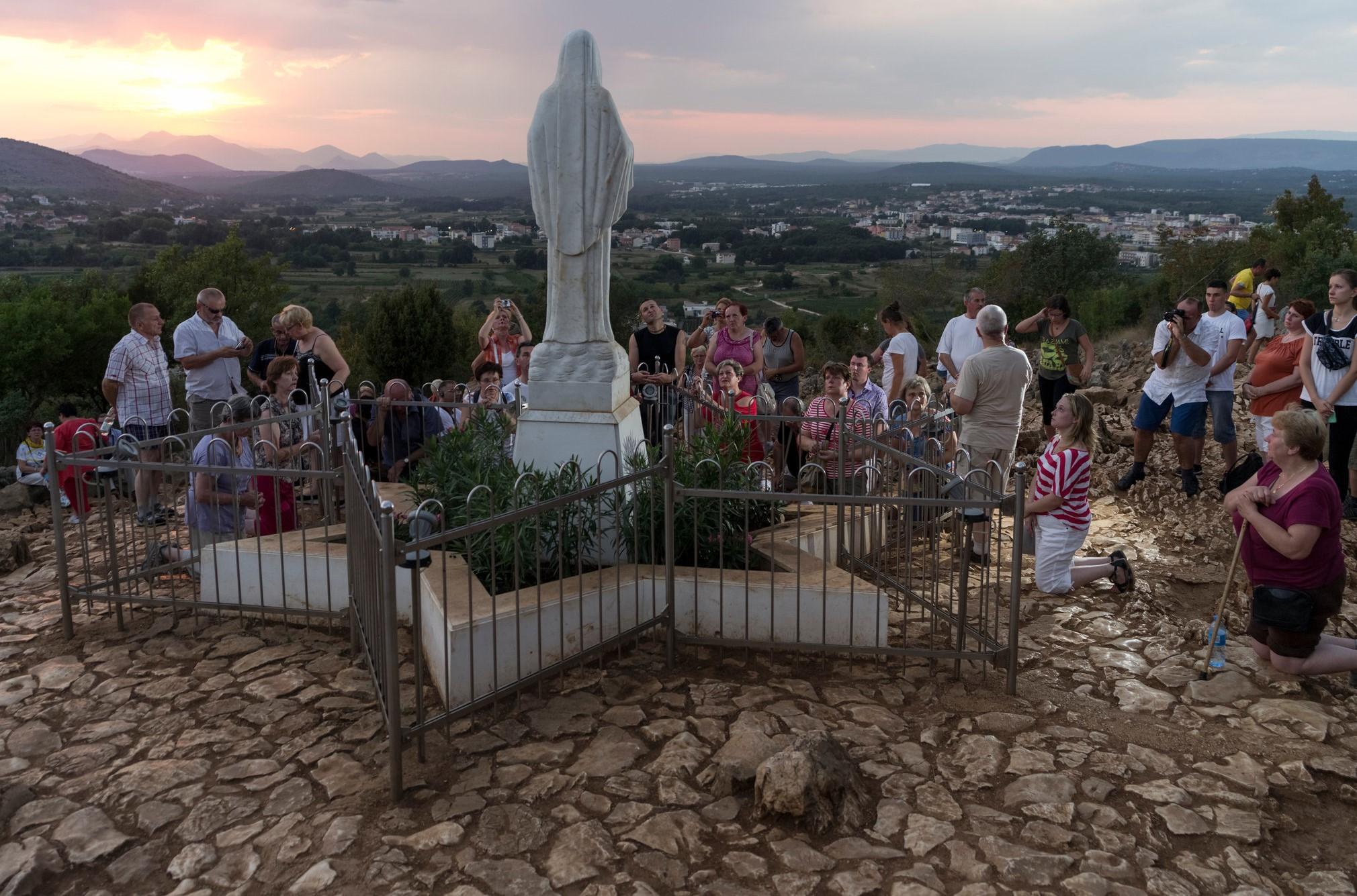 ¿Los Videntes de Medjugorje Ven Realmente a la Virgen María? [¿qué dicen los estudios científicos?]