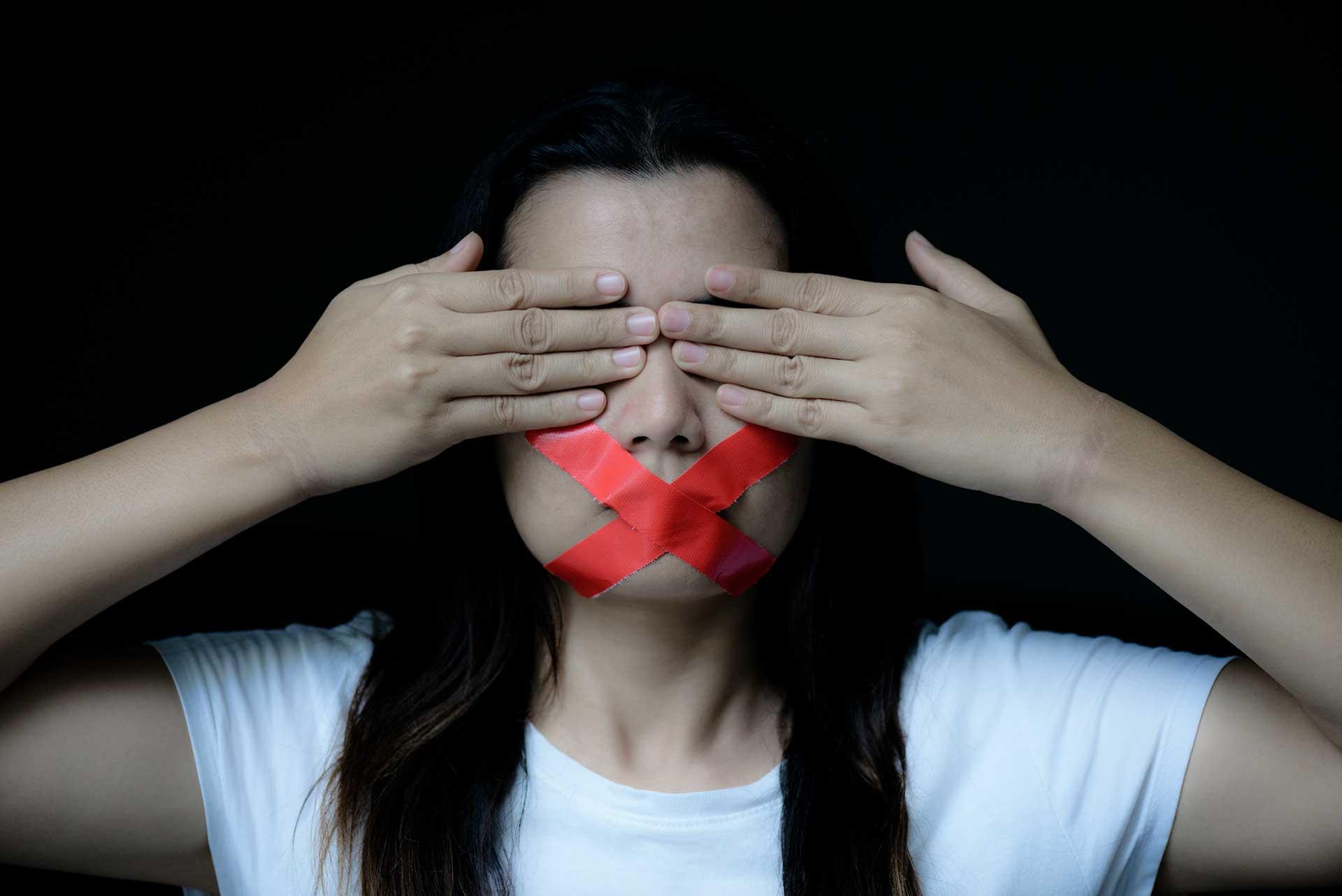 Está en marcha una Gran Censura Contra los Mandamientos de Dios